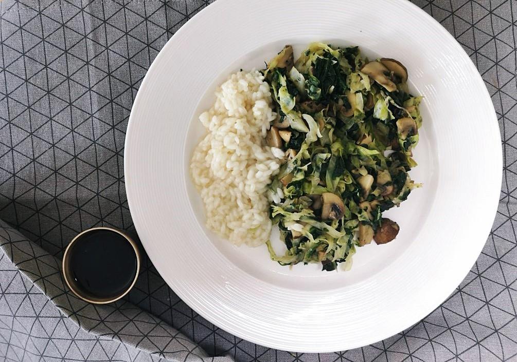 U potrazi za dobrim špinatom ili wok s gljivama, kupusom i špinatom